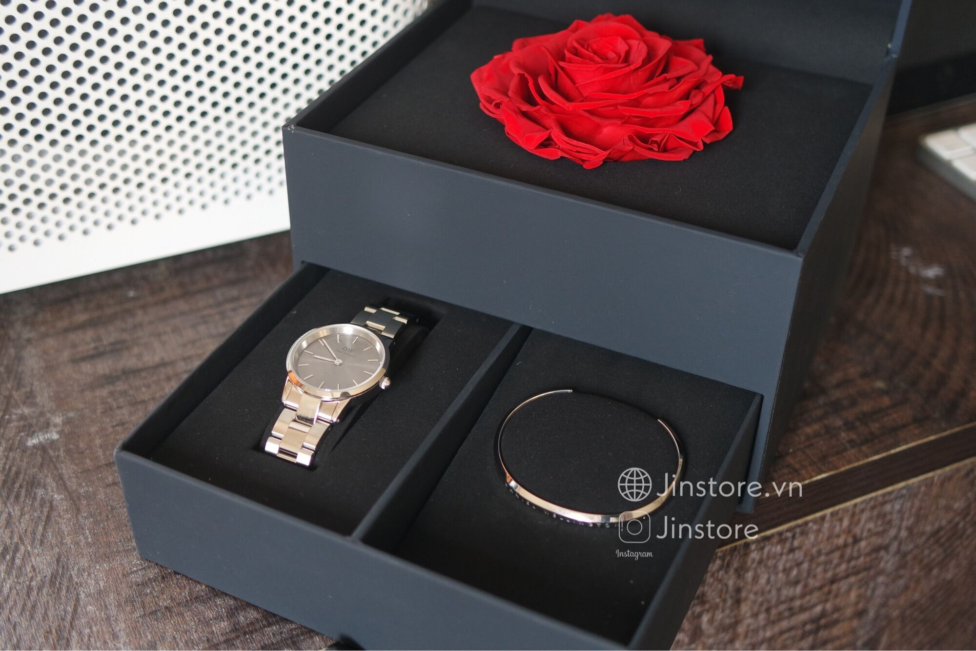 Đồng hồ nữ Iconic Link Gray 32 Silver + Cuff S