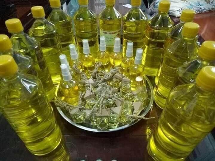 Tinh dầu sả nguyên chất dùng lau nhà. Đuổi muôi côn trùng. Đóng chai 1lít cao cấp