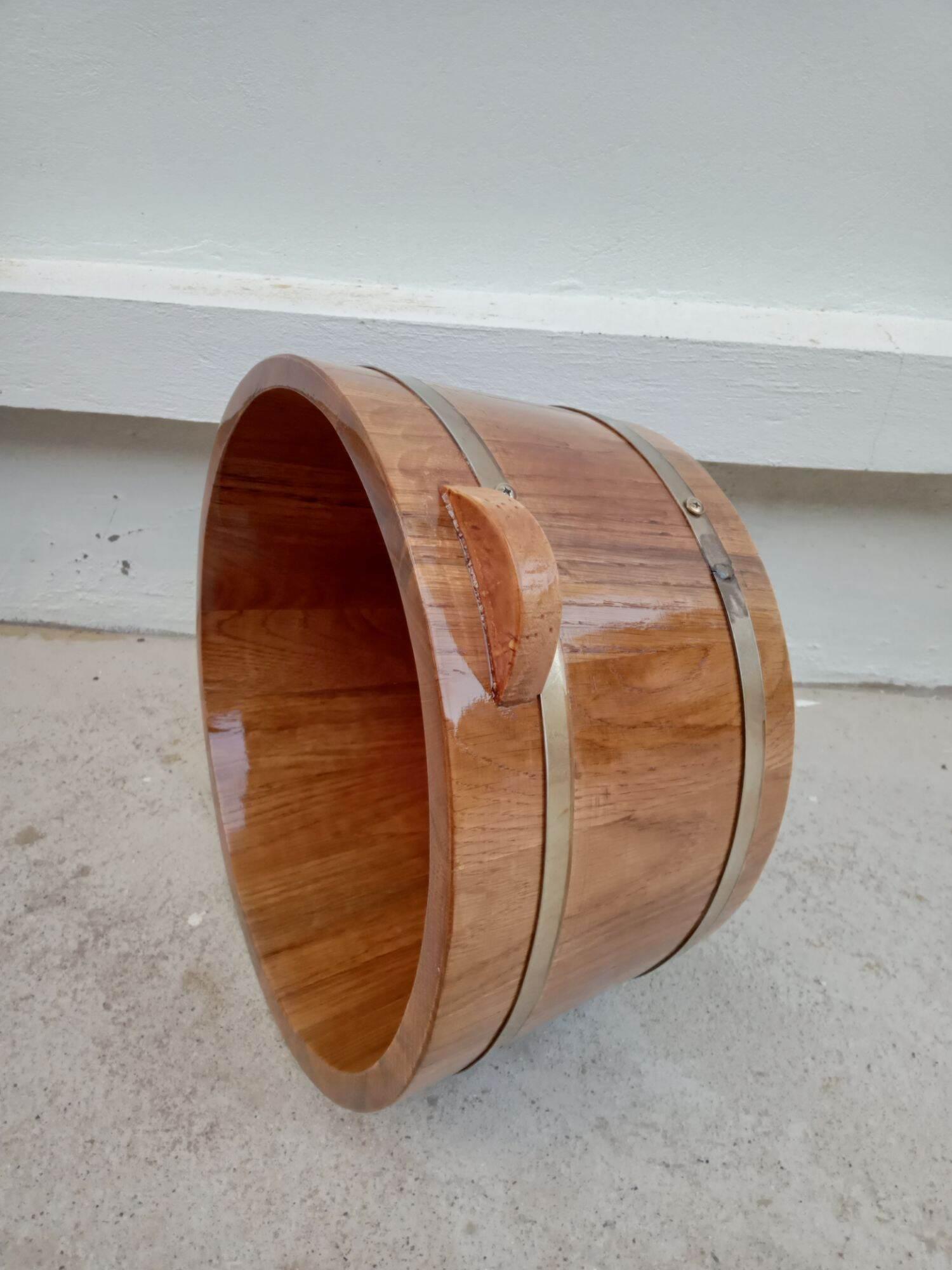 thùng ngâm chân gỗ sồi nhập khẩu